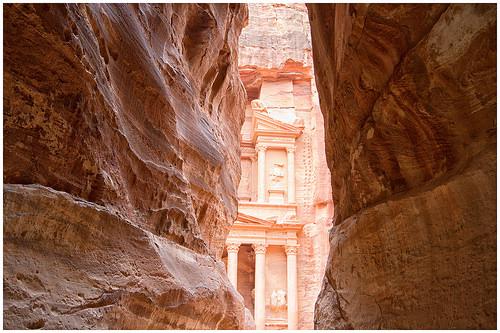 petra jordan desert wonder sand sun middleeast house old... (Photo: peterszustka on Flickr)